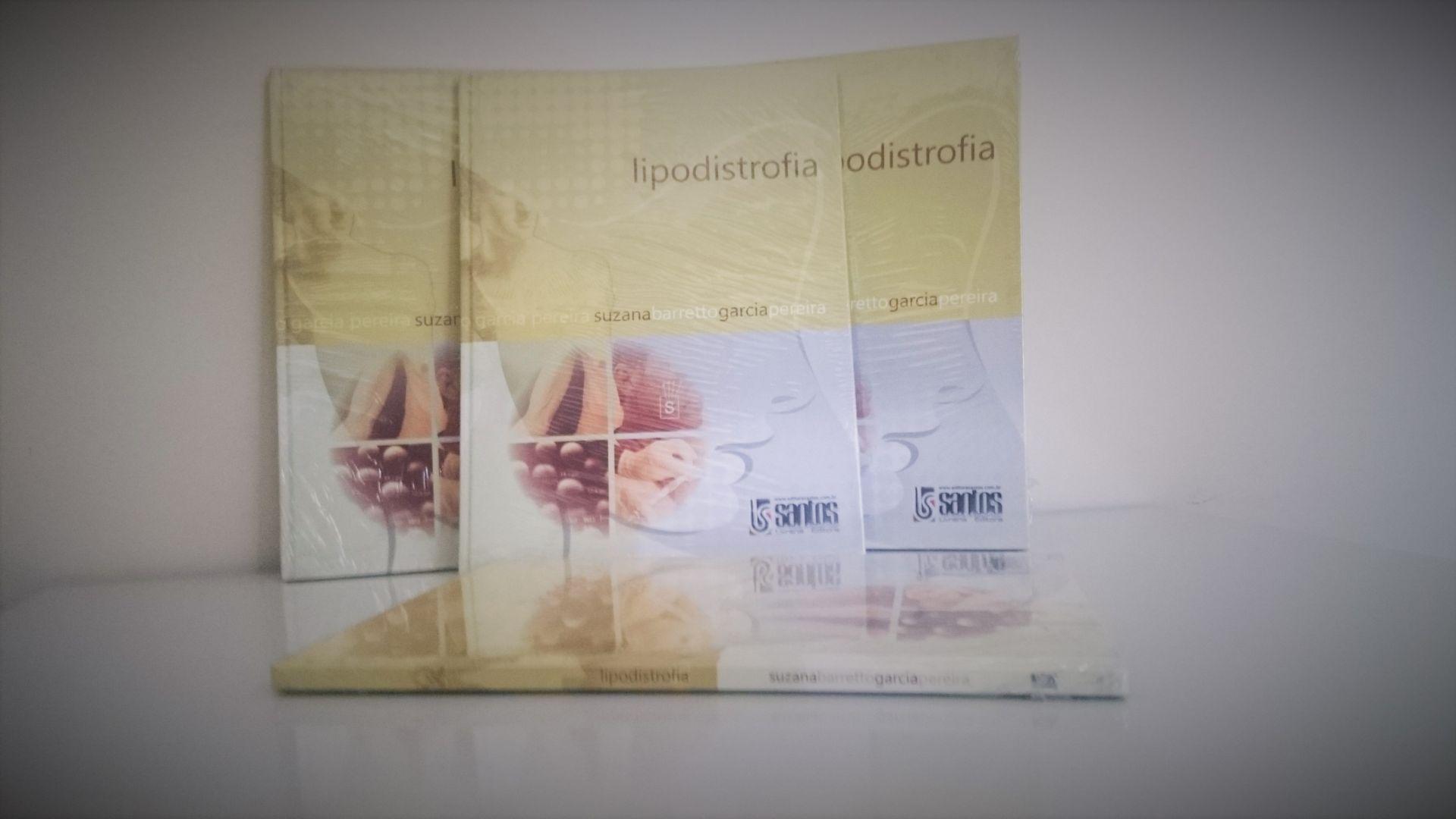 COFFEE BREAK EM TARDE DE AUTÓGRAFO DO LIVRO SOBRE PREENCHIMENTO E BIOPLÁSTIA NA LIPODISTROFIA, DA DRA. SUZANA BARRETTO.